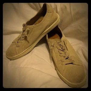 Dolce Vita suede lace up sneakers size 9